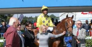 AL-Salaam with the winning connections.